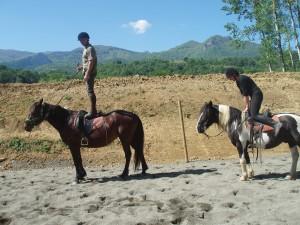 A cheval sur nos montagnes